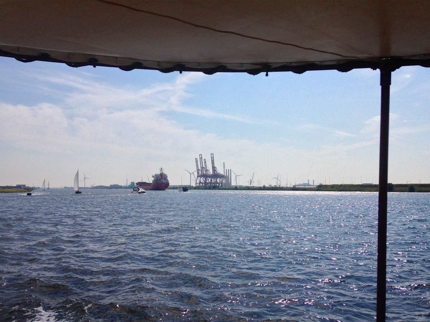 ... and across the Noordzeekanaal, which despite it being 'Sail-out' day, was nice and quiet - to our great relief.