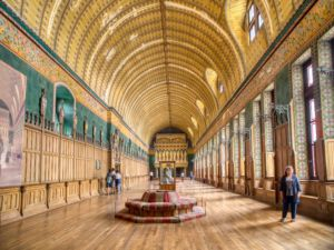 Hall of Les Neuf Preuses