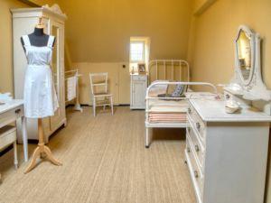 Servant's room.