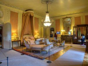 Guest's bedroom.